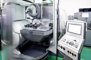 hofmann cnc technik traunstein 3-ACHS FRÄSMASCHINE DMG DMU60 MONOBLOCK Verfahrwege: X730 | Y560 | Z560 Spindel: HSK 18000U/min